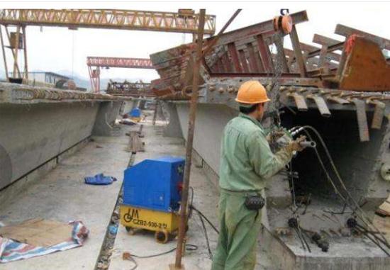 中铁一局建安制梁场使用了智能张拉设备